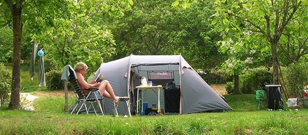Partir avec une tente complète