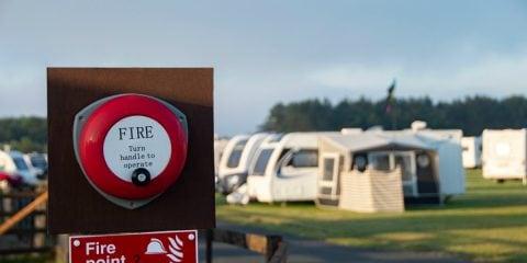 La sécurité incendie en camping : les règles à respecter