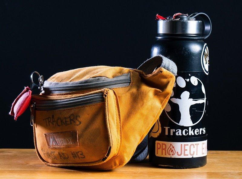 Ayez toujours votre portefeuille, vos clés, etc. sur vous dans un sac banane. Vous pourrez même le porter en tenue de baignade !